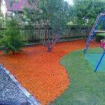 Детская площадка с цветной щепой